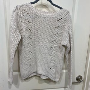 Thick knot gap sweater